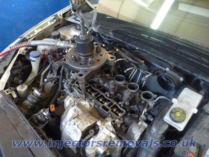 Injector removal from Peugeot / Citroen with 1.6