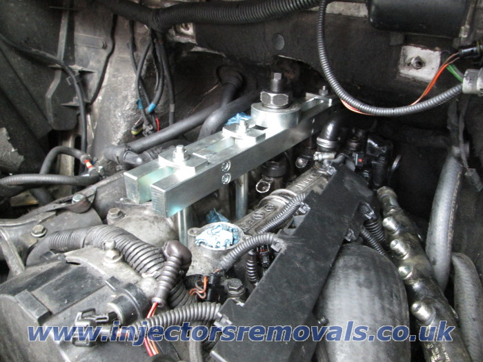 Injector removal from Iveco Daily